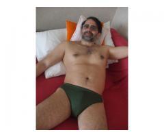 Prestator de servicii sexuale platite