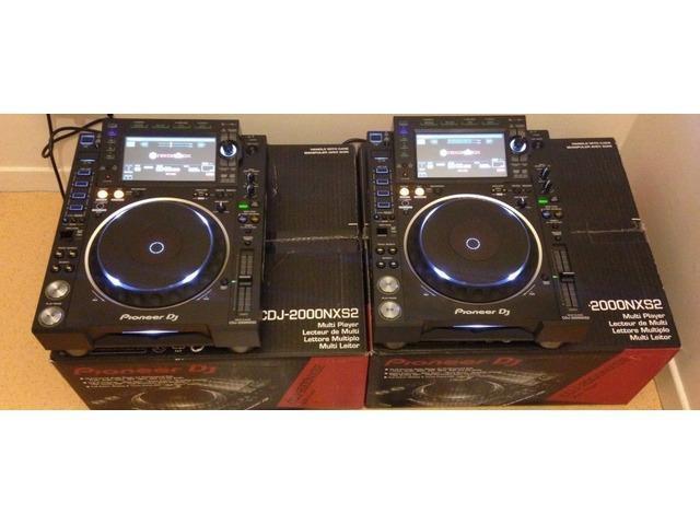 Pioneer DJ CDJ-2000NXS2 Professional Multi Player €900